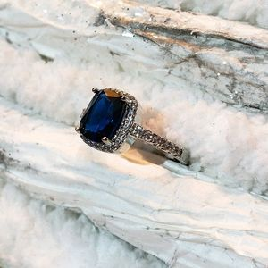 Beautiful Sapphire Statement Fashion Ring Cocktail